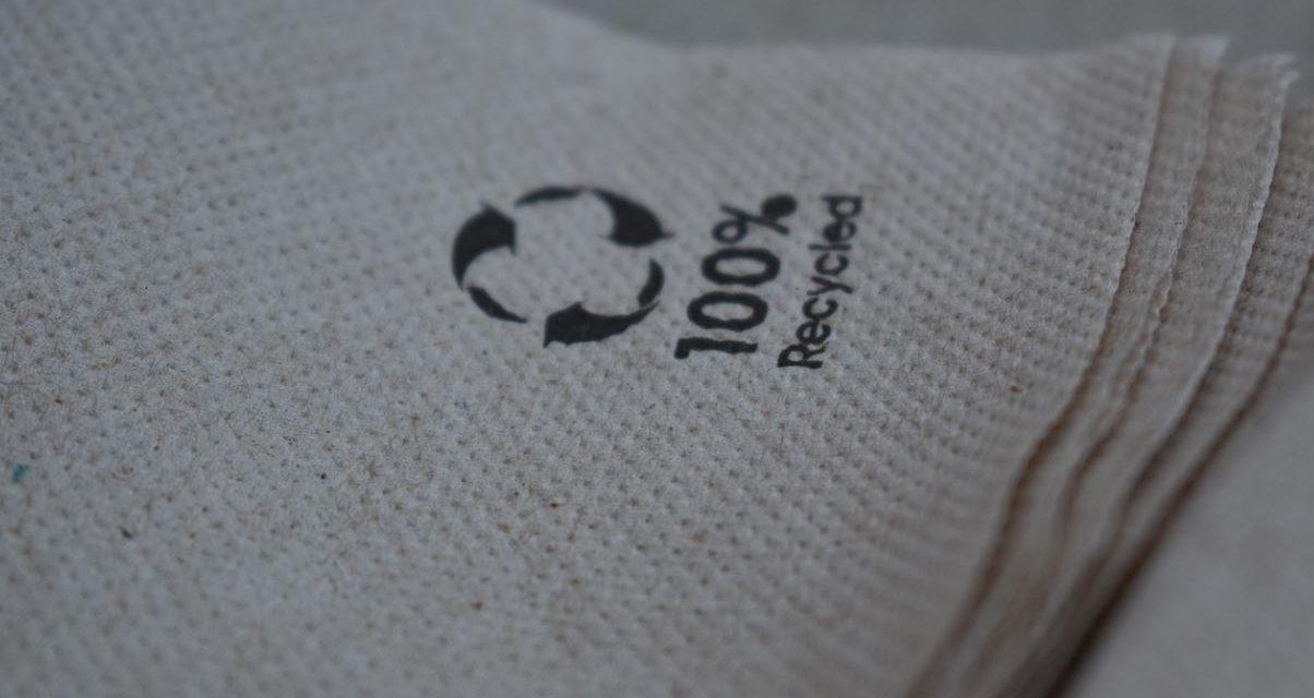 El reciclaje del papel en el mundo empresarial.
