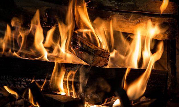 Cómo ahorrar en la factura con el uso de chimeneas
